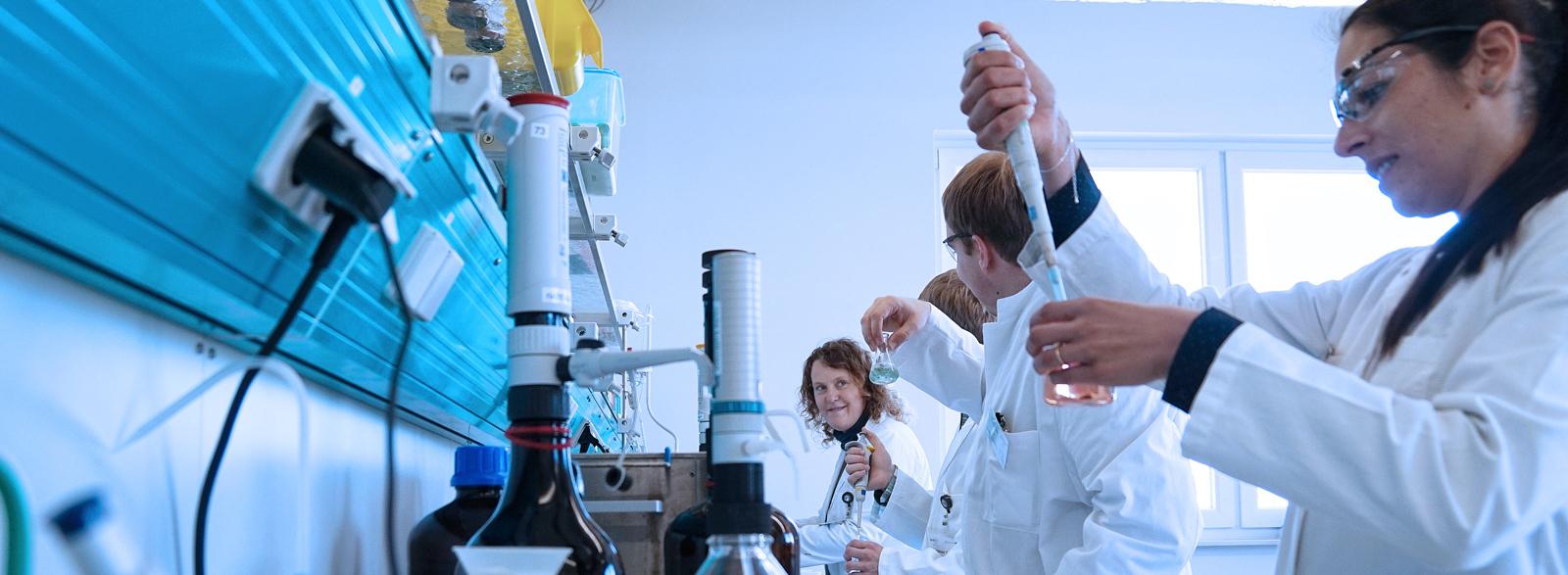 Career at DSI-pharm, laboratory for pharmaceutical analyses